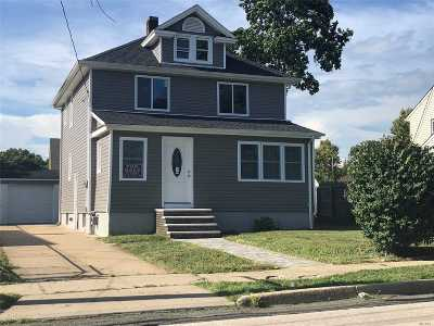 Freeport Single Family Home For Sale: 67 Grand Ave