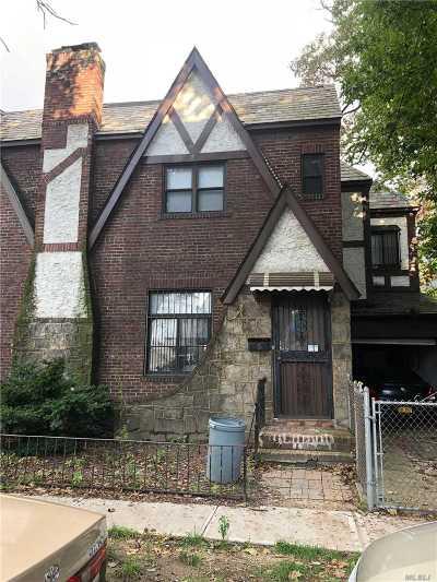 Flushing Single Family Home For Sale: 42-61 156 St