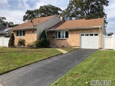 N. Babylon Single Family Home For Sale: 19 Thomas Dr