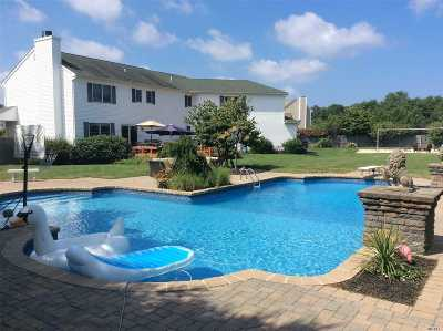 Wading River Single Family Home For Sale: 146 Meadow Path
