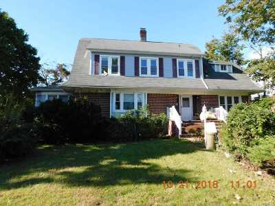 Cedarhurst Single Family Home For Sale: 461 Arlington Rd