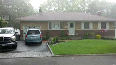 Commack Single Family Home For Sale: 6 Dorothea St