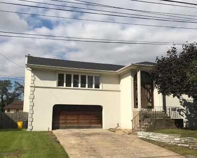 Woodmere Single Family Home For Sale: 988 Westwood Rd