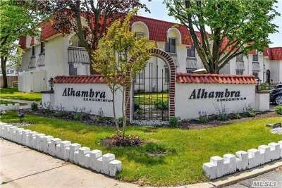 Oceanside Condo/Townhouse For Sale: 95 Alhambra Dr