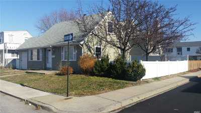 Long Beach NY Single Family Home For Sale: $399,900