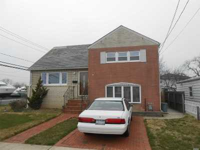 Freeport Single Family Home For Sale: 4 Layton St