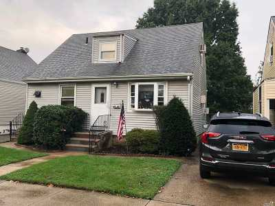 Flushing Single Family Home For Sale: 49-39 166th St