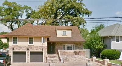 Woodmere Single Family Home For Sale: 986 Peninsula Blvd