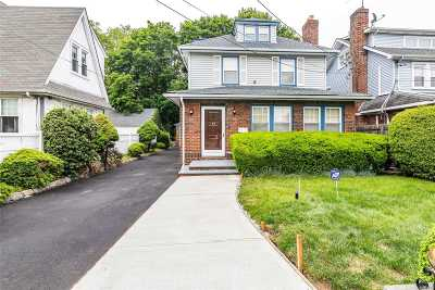 W. Hempstead Single Family Home For Sale: 34 Stratford Rd