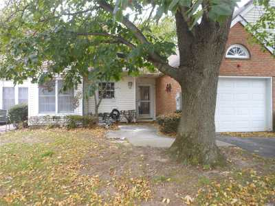 Mt. Sinai Condo/Townhouse For Sale: 77 Standish Dr