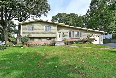 Oyster Bay Single Family Home For Sale: 2 Peachtree Dr
