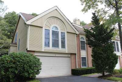 Smithtown Condo/Townhouse For Sale: 9 Willow Ridge Dr