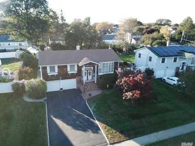 Kings Park Single Family Home For Sale: 82 Ashland Dr