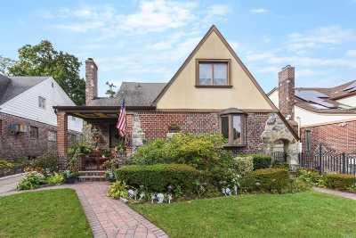 Jamaica Estates Single Family Home For Sale: 80-68 Dumfries Pl
