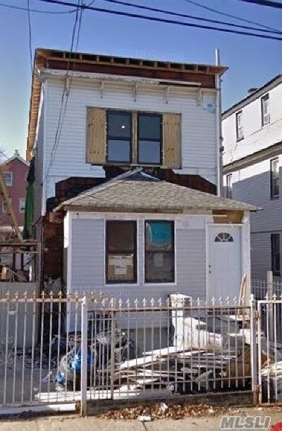 Corona Single Family Home For Sale: 31-14 103rd St