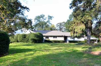 Old Westbury Single Family Home For Sale: 9 The Pines Pnes