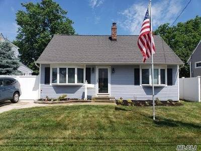 Wantagh Single Family Home For Sale: 2529 Woodland Ave