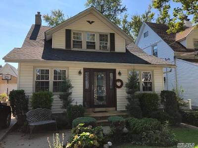 Whitestone NY Single Family Home For Sale: $849,999