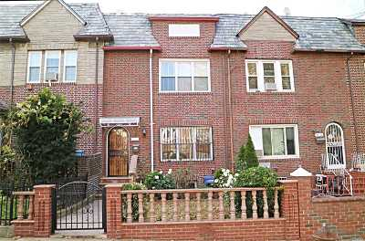 Jackson Heights Single Family Home For Sale: 31-18 78th St