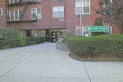Flushing Co-op For Sale: 35-10 150 St #6F