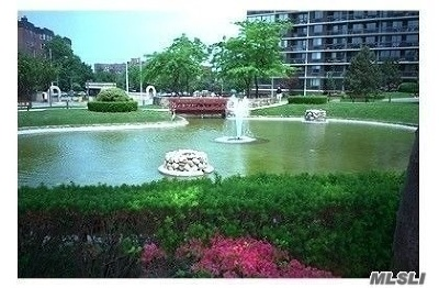 Bayside Condo/Townhouse For Sale: 1 Bay Club Dr #21R