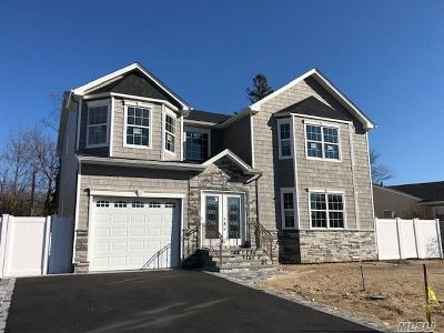 Syosset Single Family Home For Sale: 97 Willets Dr