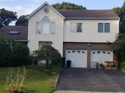 Lake Ronkonkoma Single Family Home For Sale: 34 Valley St