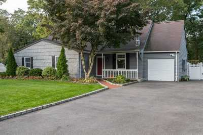 Mt. Sinai Single Family Home For Sale: 54 Westcliff Dr