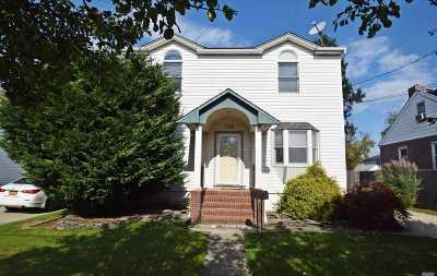 Lindenhurst Single Family Home For Sale: 236 E Belle Terre Ave