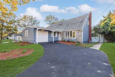 Selden Single Family Home For Sale: 162 Boyle Rd