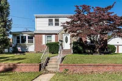 Glen Head Single Family Home For Sale: 4 Post St