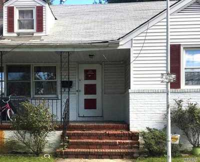 Garden City Single Family Home For Sale: 105 Jefferson St