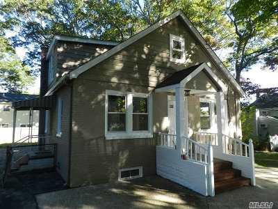 Ronkonkoma Single Family Home For Sale: 53 W 8th St