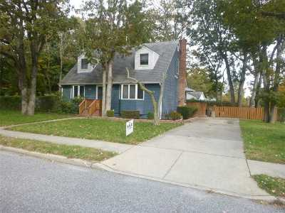 Brentwood  Single Family Home For Sale: 699 Broadway Ave