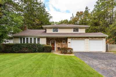 Huntington Single Family Home For Sale: 68 Cornehlsen Dr
