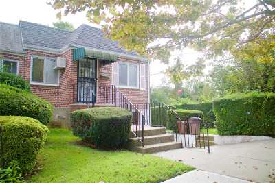 Middle Village Single Family Home For Sale: 73-02 69th Ave
