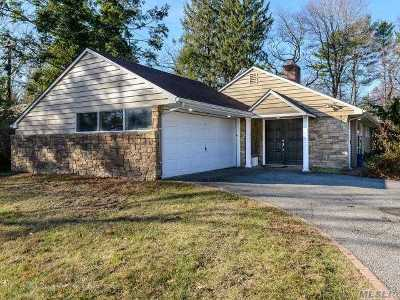 Roslyn Heights Single Family Home For Sale: 24 Pasture Ln