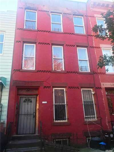 Brooklyn Multi Family Home For Sale: 160 Hull St