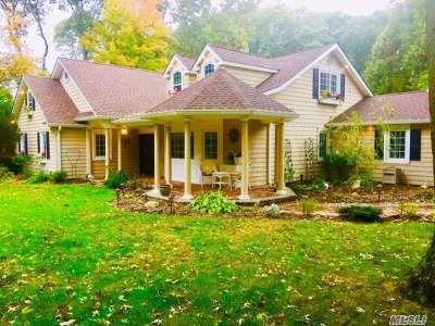 Dix Hills Single Family Home For Sale: 15 Blaine Pl
