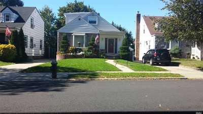 Bellerose, Glen Oaks Single Family Home For Sale: 85-28 248th St
