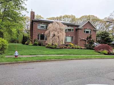 Roslyn Heights Single Family Home For Sale: 62 Shepherd Ln