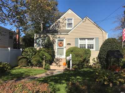 Lynbrook Single Family Home For Sale: 637 Broadway
