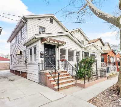 Brooklyn Single Family Home For Sale: 945 E 32nd St