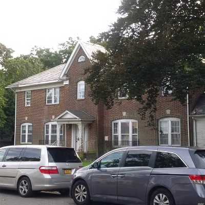 Woodmere Single Family Home For Sale: 31 Oak St