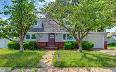 Bethpage Single Family Home For Sale: 5 Wilford St