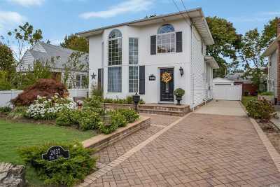 Oceanside Single Family Home For Sale: 2437 Rockville Centre Pkwy