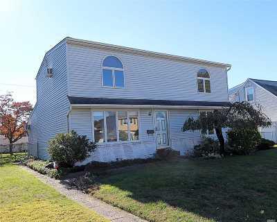 East Meadow Single Family Home For Sale: 1626 Paula Ln
