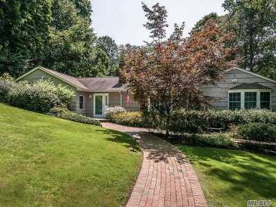 Roslyn Single Family Home For Sale: 1 Hickory Hill