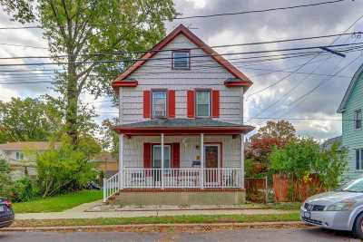Westbury Single Family Home For Sale: 62 Bedford Ave