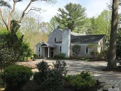 Lloyd Harbor Single Family Home For Sale: 49 School Ln